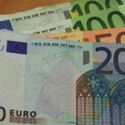 Geld-Euro-Scheine-Geldscheine