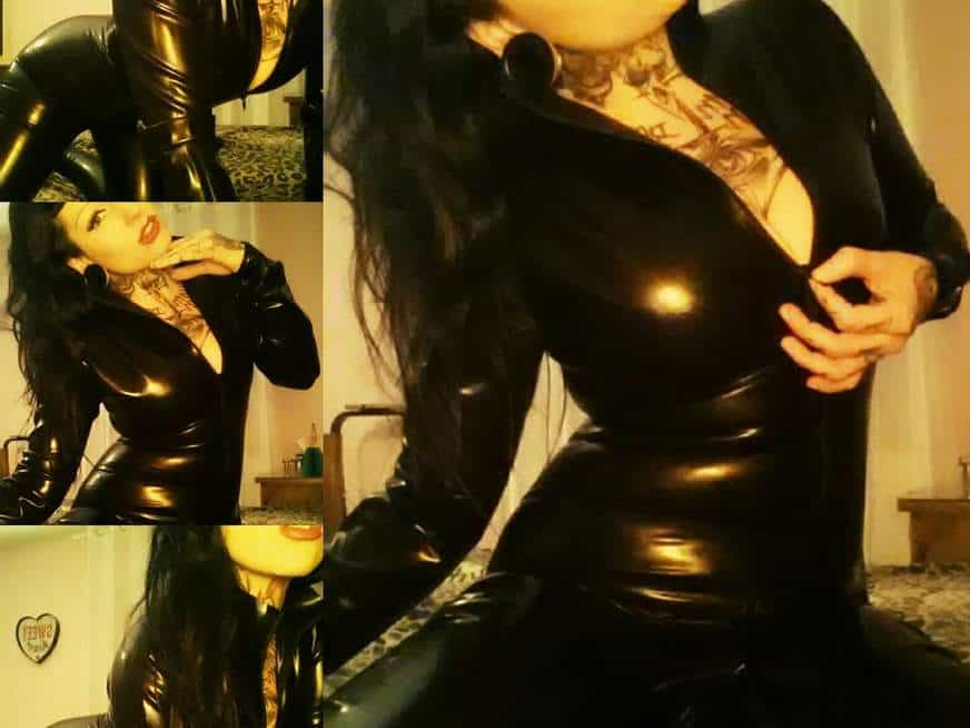 Latex Domina